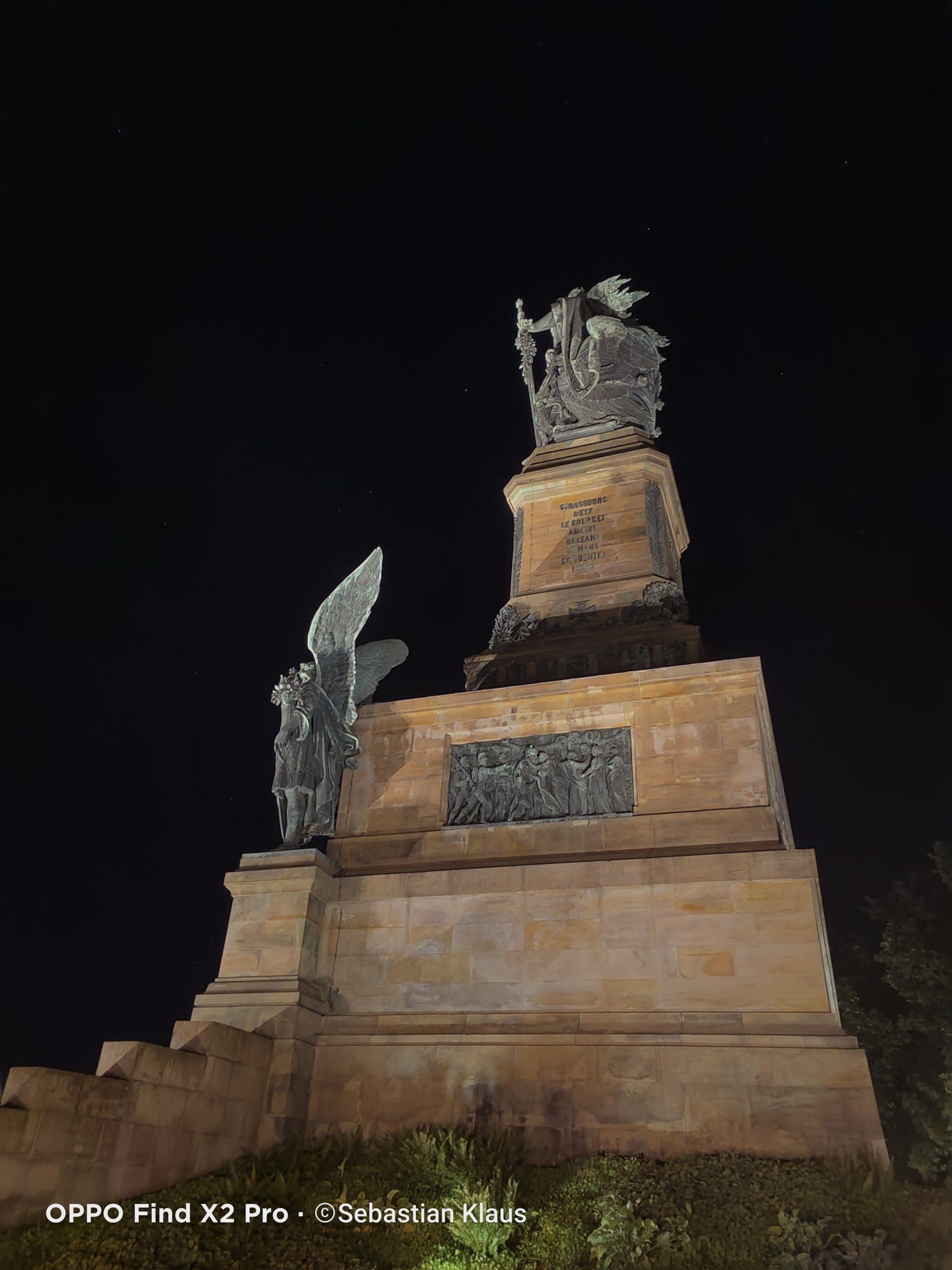 Nachtaufnahme der Germania (Rhein)